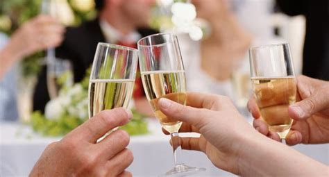 Wine Buying Guide for Weddings   Epicurious.com