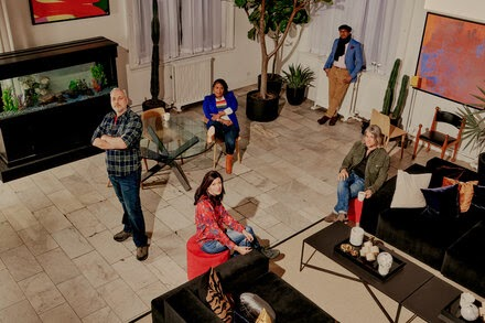 TREND ESSENCE:The Original 'Real World' Cast Reunites, Older but Still Not Polite