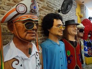 Bonecos da Embaixada dos Bonecos. (Foto: Katherine Coutinho / G1)