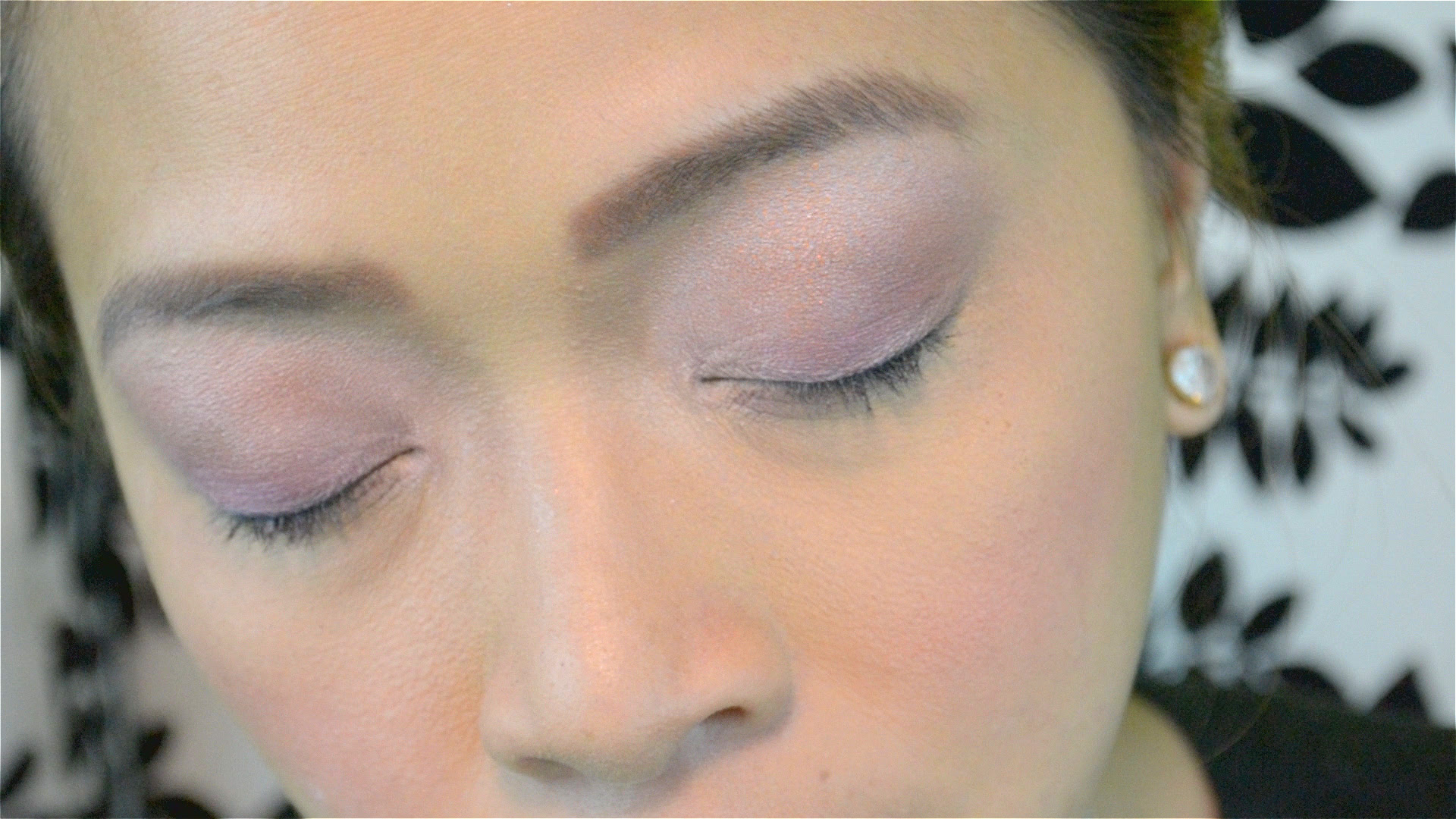 How to Apply Eye Makeup for Deep Set Eyes: 15 Steps