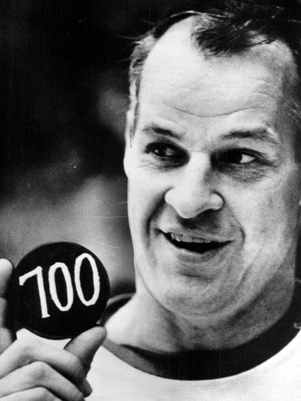 Howe 700th goal photo Howe 12-5-68 goal 700.jpg