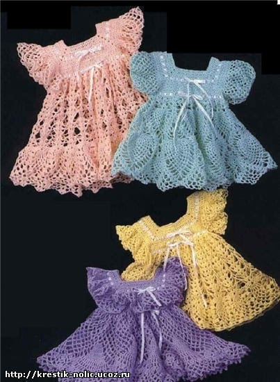 12+ Free Crochet Doll Clothes Patterns | FaveCrafts.com | 550x403