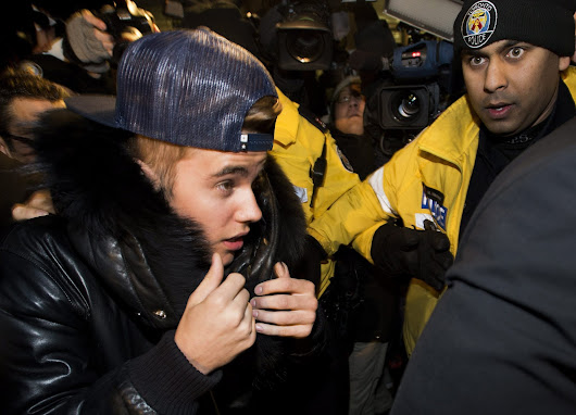 Justin Bieber turns himself in to Toronto police on assault charge