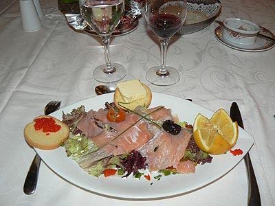 salade de saumon fumé hôtel.jpg