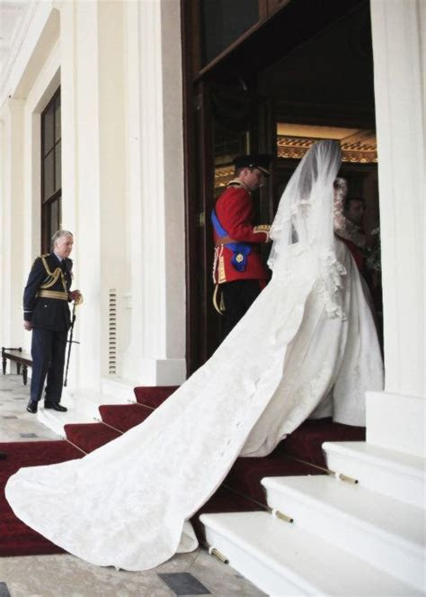Kate's Wedding Gown April 29, 2011 William and Kate's