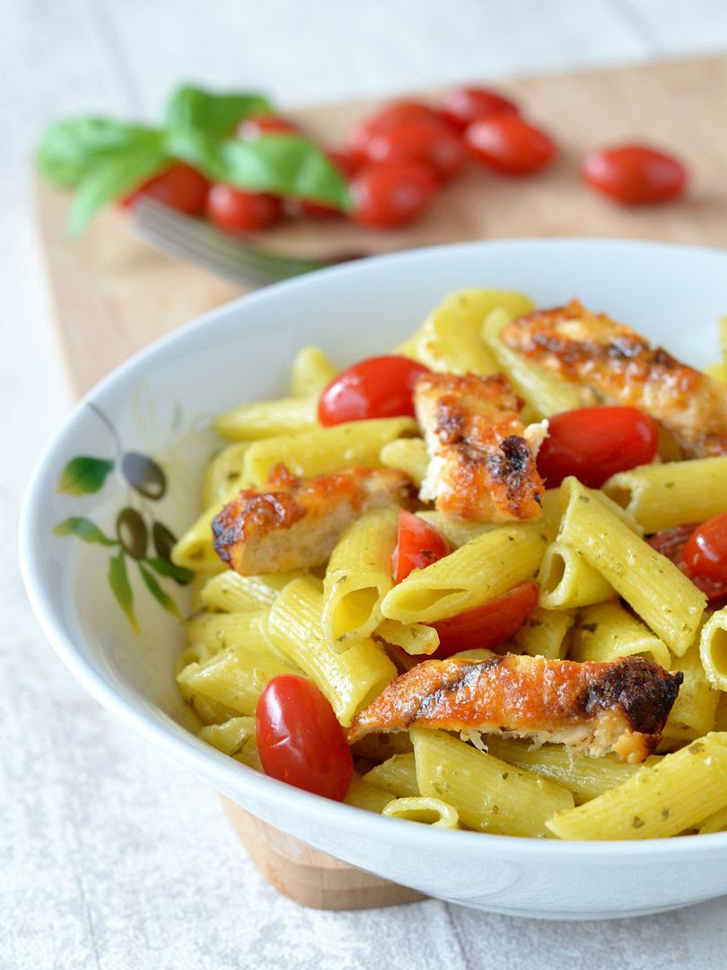 photo pesto pasta peri peri chicken_zpssawacryb.jpg