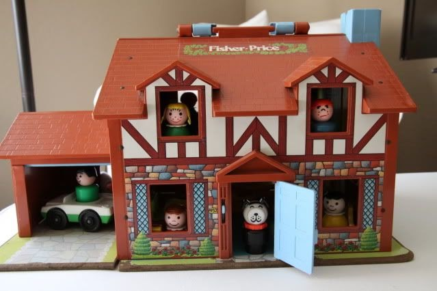 Anne's Odds and Ends: Fisher Price Fridays - Play Family House