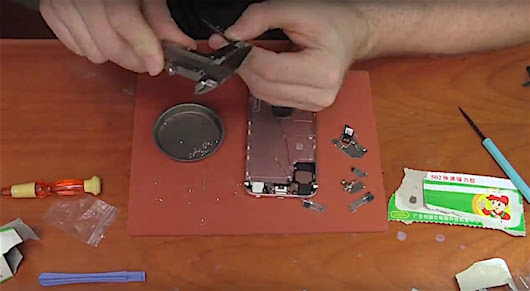 Watch: A maker shows us how he made his own iPhone from parts