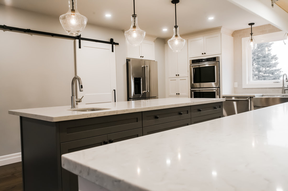 Innisfil Kitchen - Custom Kitchens, Cabinets and Bathrooms ...