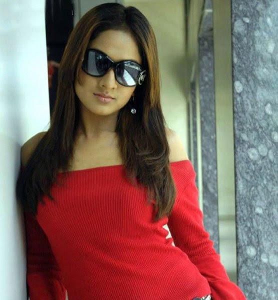 sheela actress hot navel bikini pics wallpapers 1 Sheela Hot Photos