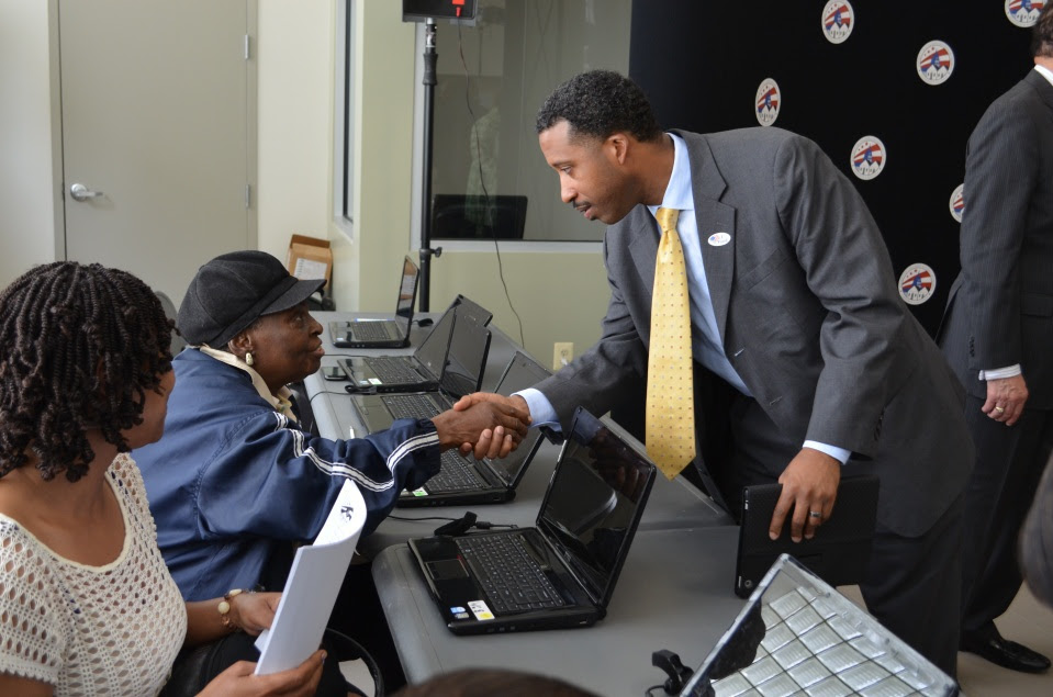 DCHA, One Economy, and Rent-A-Center Team Up to Provide Ward 5 Residents with Free Internet Access