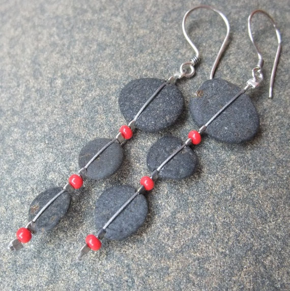 Beach pebble jewelry  black red natural by NaturesArtMelbourne,