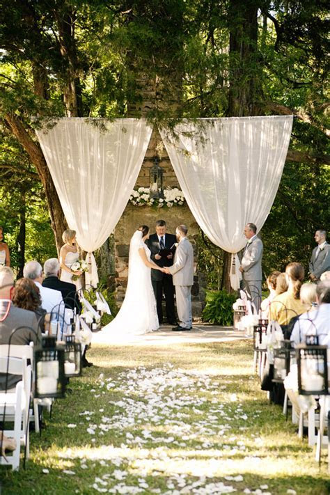 Southern wedding   outdoor ceremony