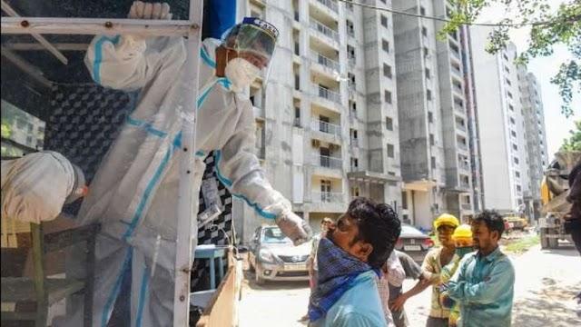 दिल्ली में पिछले 24 घंटे में कोरोना के 3,428 नए केस आए सामने, 22 मरीजों की मौत