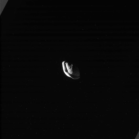 Cassini Reveals Strange Shape of Saturn's Moon Pan