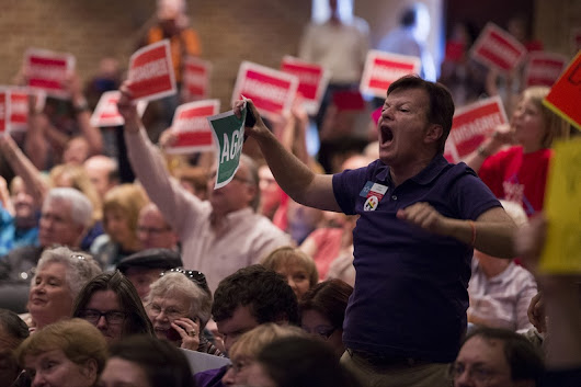 U.S. Rep. Pete Sessions faces rowdy town hall