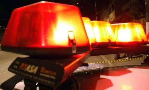 Sem gasolina, jovem empurra moto na contramão e sofre acidente na BR-369