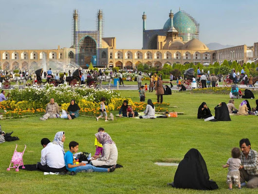 The art of picnicking in Iran – Magic Carpet Travel