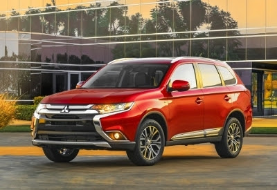 2016 Mitsubishi Outlander Named Best Buy Award Finalist