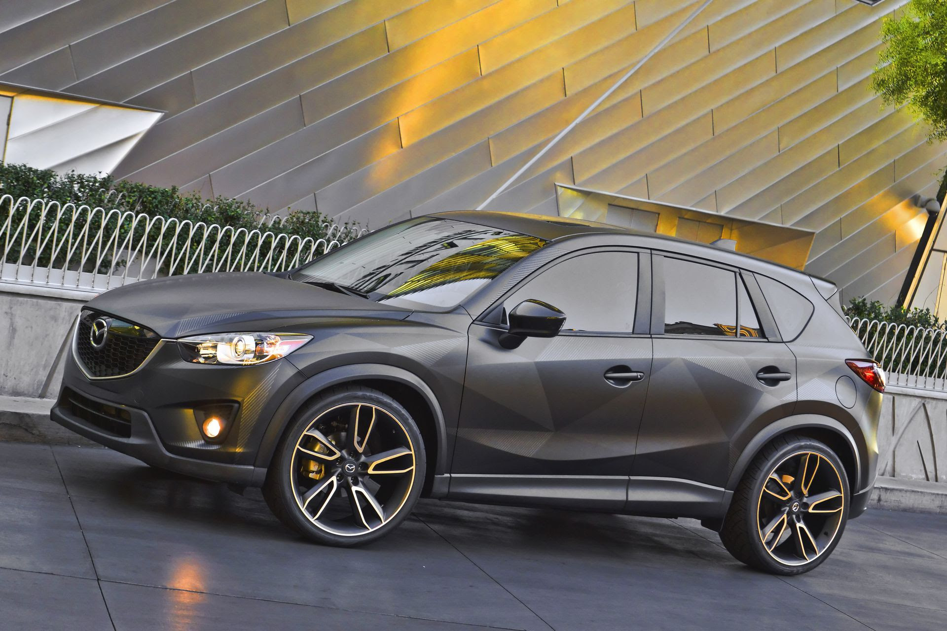 Mazda CX-5 Urban Gallery (1920×1280 Resolution Wallpaper Image)