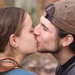 http://autismodiario.org/2015/02/14/autismo-amor-sexualidad-y-el-dia-de-san-valentin/