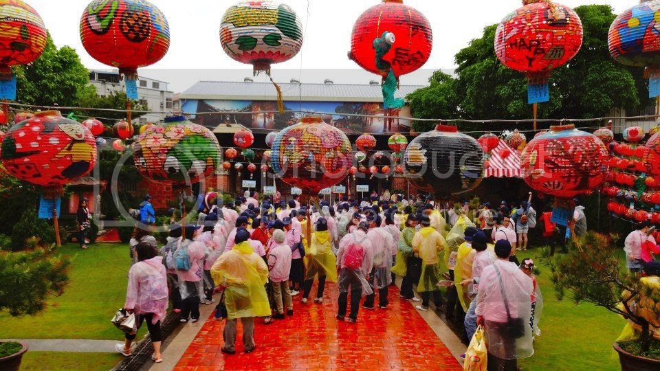 A pilgrimage group prepares to depart from the Wenchang (literature god) shrine. photo 47987_10151630121241202_1901574656_n.jpg