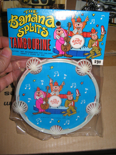 bananasplits_tambourine.JPG