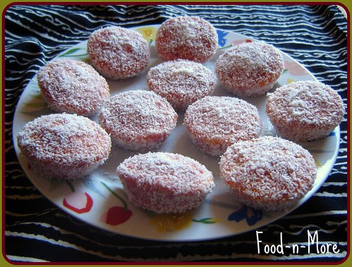 Small Strawberry and Coconut Cakes