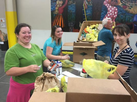 LandCentral Lends A Hand At The Oregon Food Bank |