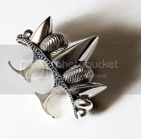knuckle duster,spikes,silver