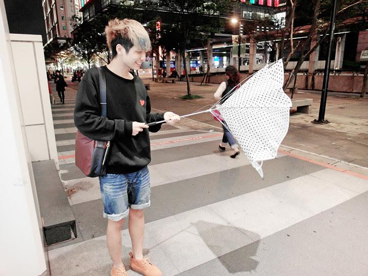 typicalben outside Shinkong Mitsukoshi