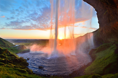 Sunset Curtain Call at Seljalandsfoss por David Shield Photography