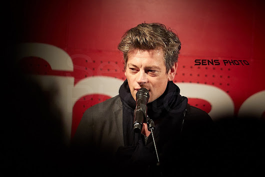 Benjamin Biolay en showcase pour Volver - Sens Photo