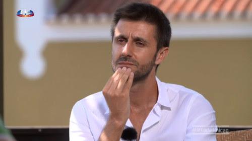Daniel Oliveira durante entrevista