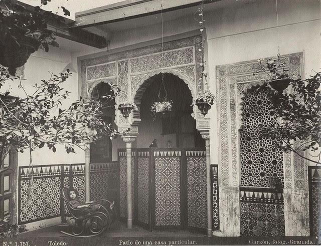Patio de una casa toledana a finales del siglo XIX. Fotografía de Rafael Garzón