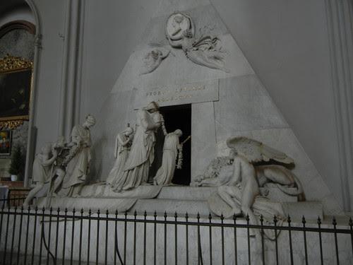 DSCN1752 _ Archduchess Maria Christina Tome by Antonio Canova, Augustinerkirche