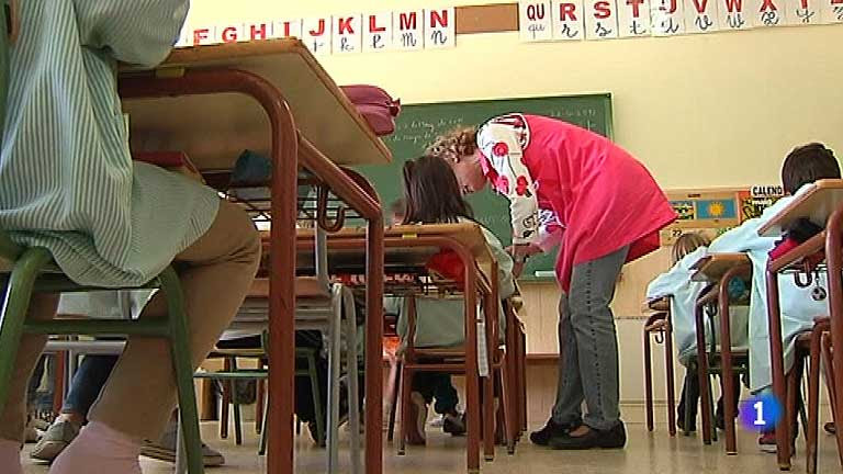 Los maestros interinos tendrán que superar un período de prueba para ejercer en Cataluña