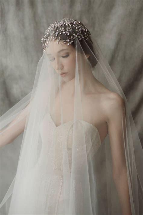 Best 25  Long wedding veils ideas on Pinterest   Long