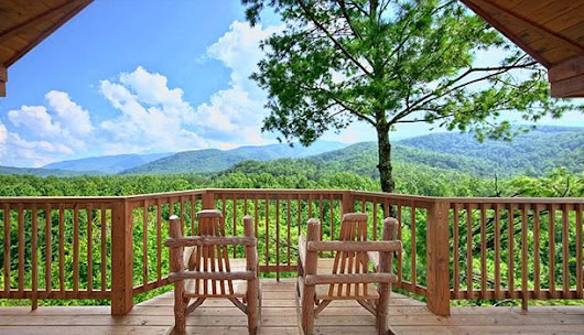 Beautiful Little Mountain Town - Blog White Oak Lodge & Resort