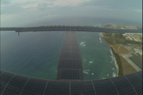 Solar Impulse chegou no Hawaii (2)