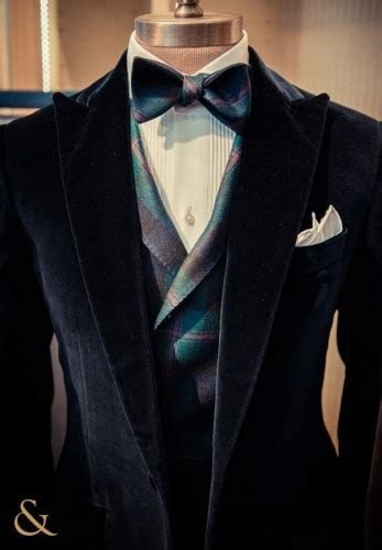 Where can I buy Wedding Suits for men in Mumbai, India