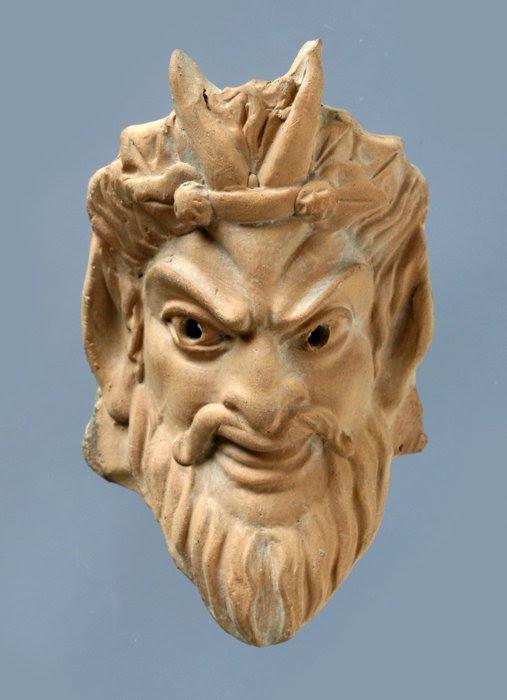 Risultati immagini per maschere di teatro antico