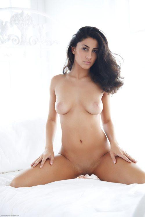 Perserin Nackt