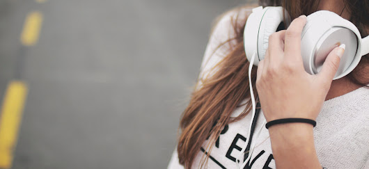 6 Podcasts That Will Make You a Better Social Media Marketer