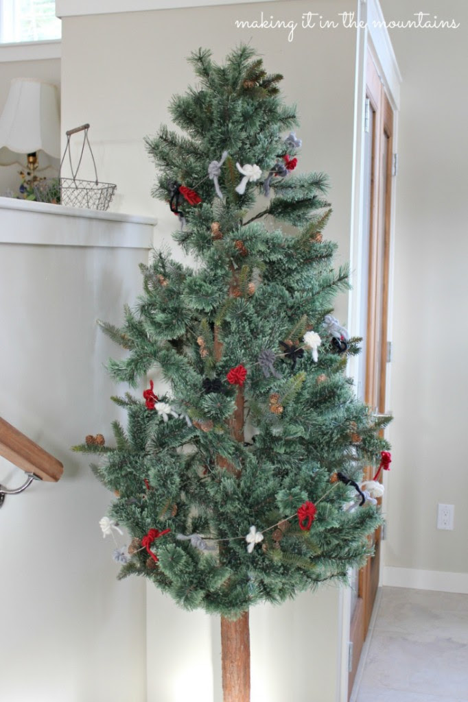 9-Rustic-Christmas-Tree-Garland-making-it-in-the-mountains