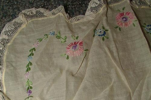 apron bib embroidery