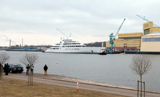 Azzam Worlds Largest Yacht Pictures