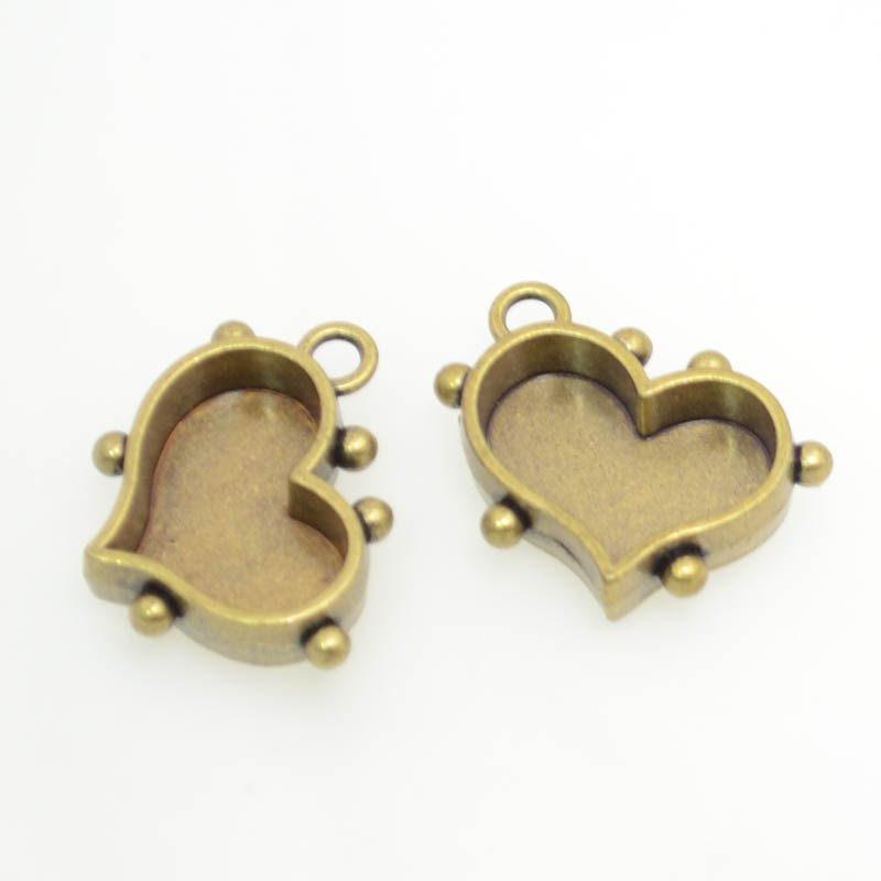 s39139 Pendant Bezel - Small Hobnail Heart - Brass (2)