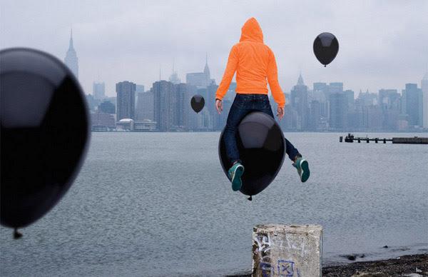 http://www.gazduna.com/wp-content/uploads/2012/10/Noah-Kalina-remix-by-Toko-Design.jpeg