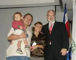 Primer niño nacido en Costa Rica gracias a la NaProTecnología